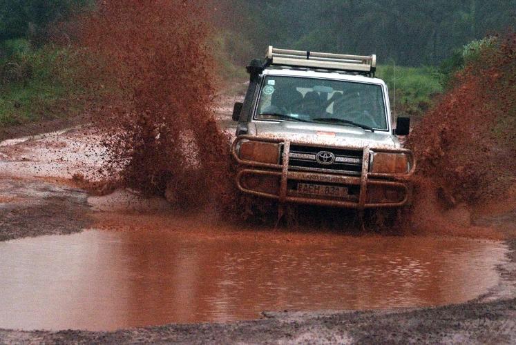 Regenzeit-Strassen in Sierra Leone